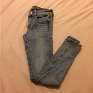 EUC AE Skinny Jeans/ Jeggings- Size 2